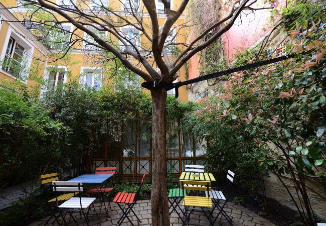 Appartement à Paris - B1G Stone Age