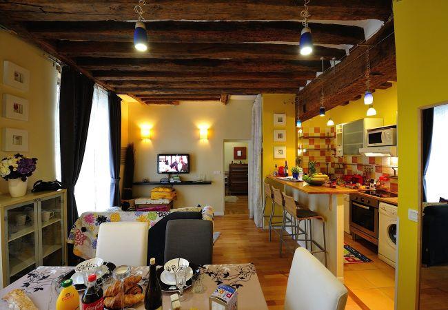 Apartment in Paris ville - B1DF Four by Four